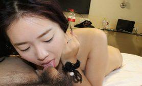 中國美女模特口交照片手機丟失不慎流出